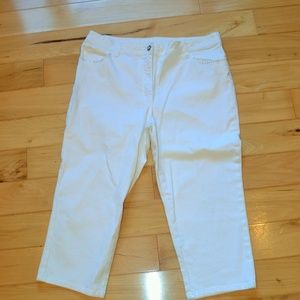Laura Ashley white cropped rhinestone jeans 14